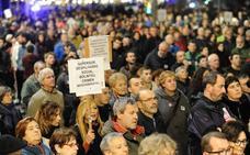 Miles de personas se manifiestan en Bilbao contra la ampliación de la Supersur