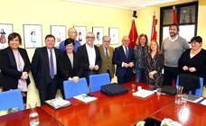 Ramiro González acusa al PP y EH Bildu de «atacar a la foralidad» con su norma fiscal