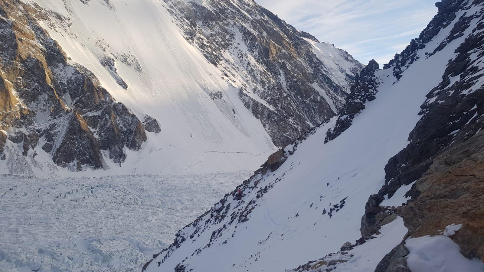 Txikon opta por la vía de los Abruzzos en el K2