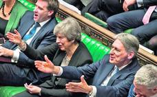 May une su partido pero revienta el 'Brexit'