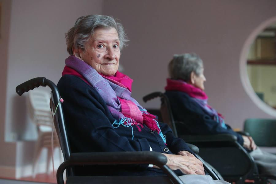 Los secretos de la bilbaína María Luisa para vivir 106 años: soltería y un vino con la comida