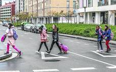 Los barrios de Vitoria piden semáforos y pasos de cebra en los 'puntos negros' para sus escolares