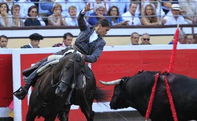 ¿Deberían pagar los concejales por las entradas a los toros y la ópera?