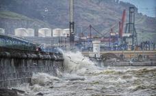 Olas de cinco metros y vientos de 120km/h en Bizkaia