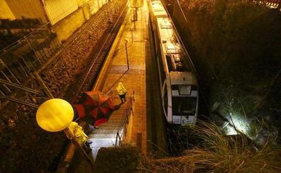 Un tren de FEVE se sale de la vía en Kastrexana sin causar heridos