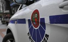 Dos detenidos por acuchillar en Basauri a un comerciante que se negó a darles el dinero