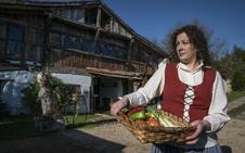 Caseríos de Bizkaia, un tesoro de caliza y roble