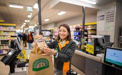 Mercadona adelanta a abril la eliminación de las bolsas de plástico