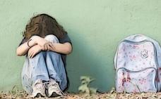 «Al menos dos personas en tu clase sufren acoso escolar»
