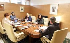 EH Bildu valora la «rectificación» del Ejecutivo, mientras que Podemos y PP mantienen sus críticas