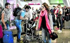 El número de mujeres que vuela desde Loiu supera por primera vez al de hombres