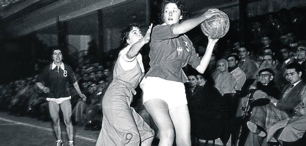 El curioso primer partido internacional femenino de Álava