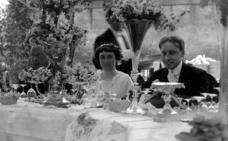 Un menú de boda en blanco y negro