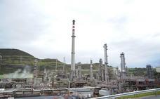 El Gobierno vasco convoca la Mesa Interinstitucional de Seguimiento a Petronor por los olores de la parada