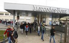 La crisis del diésel suprimió 800 empleos en Mercedes Vitoria, según UGT