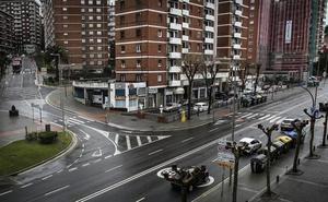 «La gente cruza por la mitad por no acercarse hasta el semáforo»