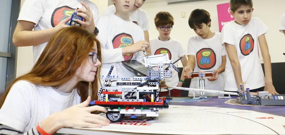 900 pequeños ingenieros buscan soluciones para el espacio en Vitoria