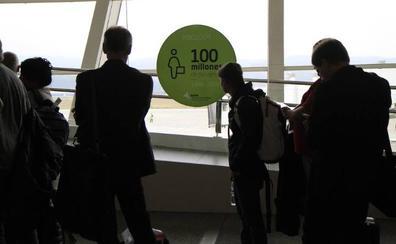 El aeropuerto de Bilbao sigue en cifras de récord