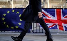 May deja correr el tiempo y acerca la pesadilla de la salida traumática de la UE