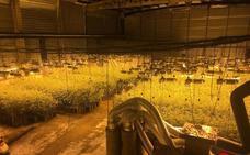 Desmantelan uno de los mayores alijos de marihuana de Euskadi en Zumaia y Deba
