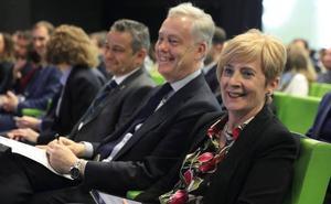 El embajador británico aboga por incrementar la relación comercial con Euskadi