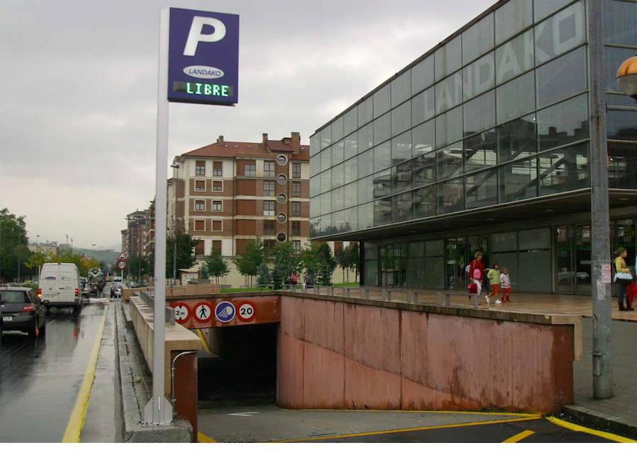Proponen incentivar los parkings de Landako Gunea y la estación
