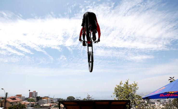 Descenso en bici por los cerros del Valparaíso