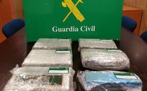 Detenidos en Bilbao y Sopela con cinco kilos de cocaína
