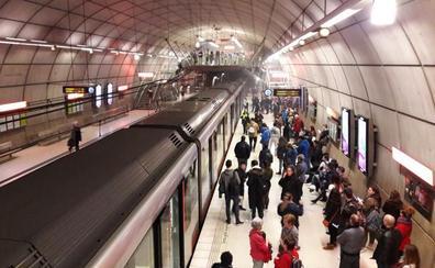 La avería de un metro en Santutxu genera retrasos