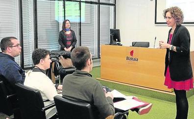 La Diputación incorpora cinco funcionarios con discapacidad intelectual