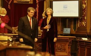 Bilbao entrega la Medalla de oro de la villa al Colegio de Enfermería de Bizkaia