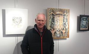 El artista Rafa Peñafiel da forma al pasado heráldico de Durango