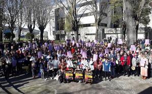 2.553 desempleadas en la comarca