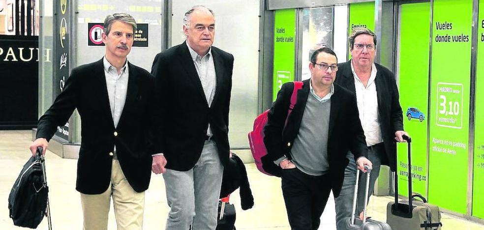 La UE mantiene el grupo de contacto pese a la expulsión de los eurodiputados populares