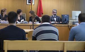 Condenan a 44 años de cárcel a la 'Manada de Villalba' por agredir sexualmente a una joven