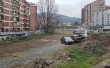 Arranca la regeneración de Basauri con el derribo del muro de Pozokoetxe