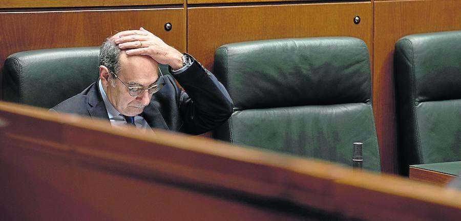 El PP se sumará a Podemos y Bildu para reprobar a Darpón y mete más presión a Urkullu