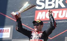 Debut de ensueño de Bautista con triunfo en su primera prueba de Superbikes