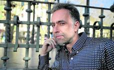«Un autor euskaldun puede sentirse extranjero en su propio barrio»