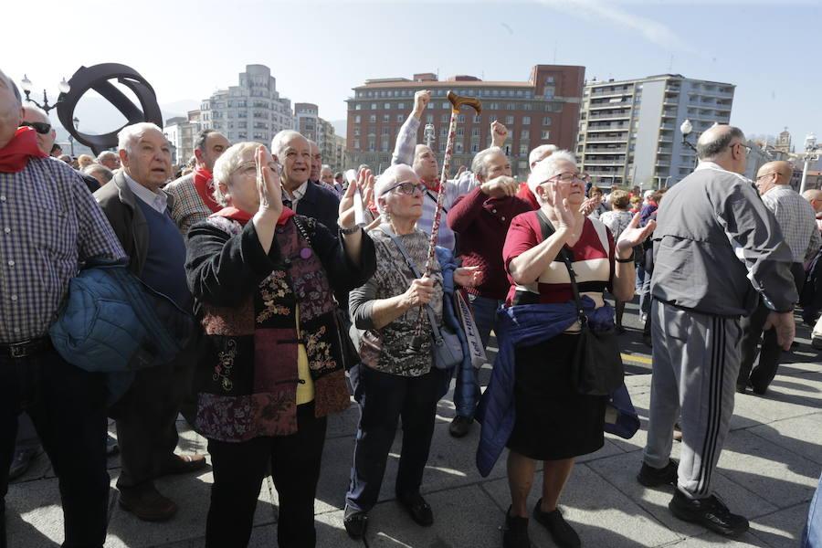 Los pensionistas redoblan la presión para que sus prestaciones suban según el IPC
