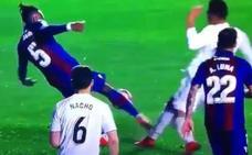 El Atleti ironiza con el penalti a Casemiro y Carvajal contesta