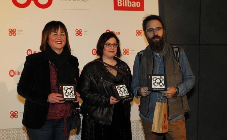 Entrega de baldosas de Bilbao para emprendedores