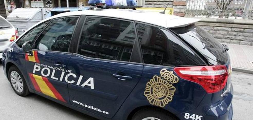 Devuelven unas medicinas para el corazón a dos turistas coreanos a los que habían robado en Bilbao