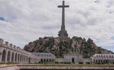 Un juez suspende el permiso municipal para exhumar a Franco