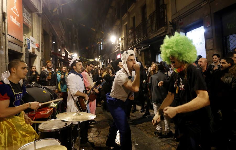 Comienzan los Carnavales. Una kalejira en el Casco Viejo