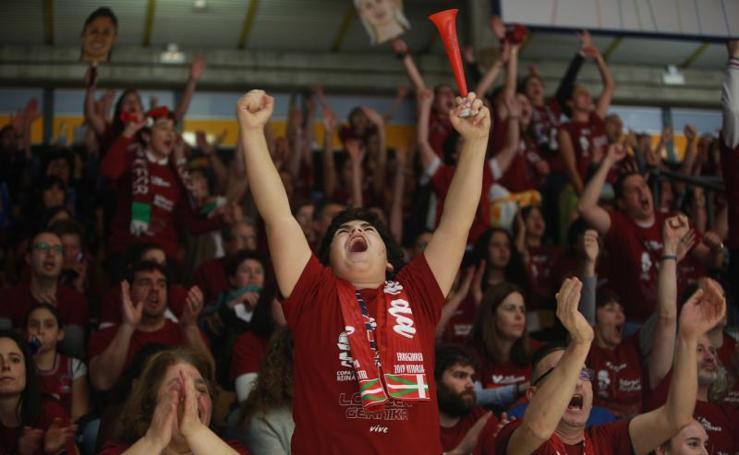 La afición del Lointek apoya al equipo en la Copa de la Reina