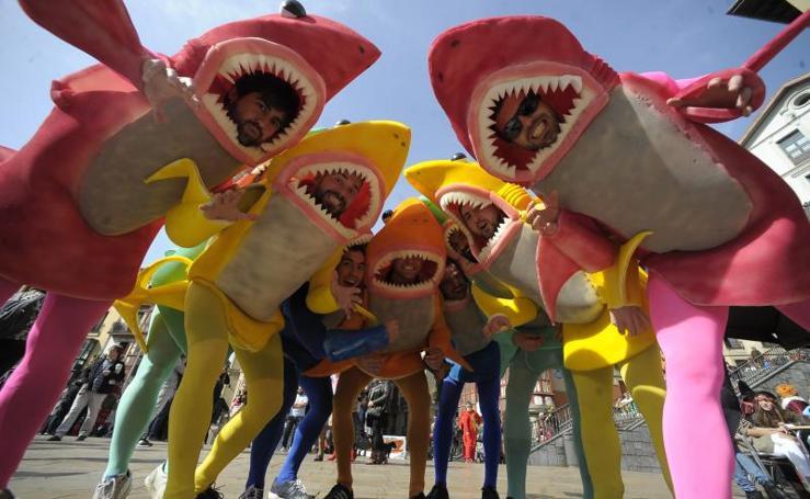 El Carnaval saca brillo al ingenio en Bilbao