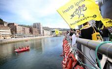 224 chalecos salvavidas para recordar a los muertos en el mar