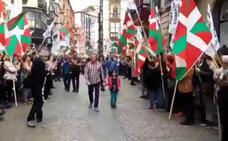 «El homenaje al etarra en Bilbao es como si al 'Cuco' le reciben en la feria de abril»