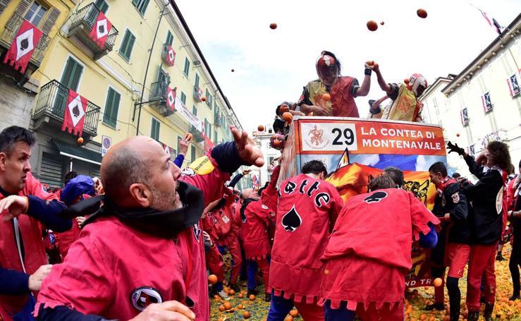 Carnaval de Ivrea, la batalla de las naranjas